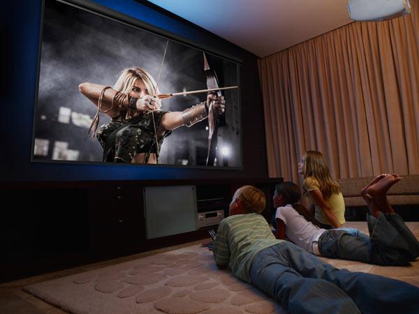 PowerLite Home Cinema 2040HD 1080p 3LCD Projector: Entertainment powerhouse