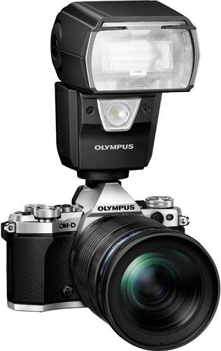 Olympus OM-DE-M5 Mark II, silver + Olympus M.ZUIKO Digital ED 12-100mm F4.0 IS PRO Lens + Olympus Flash FL-900R