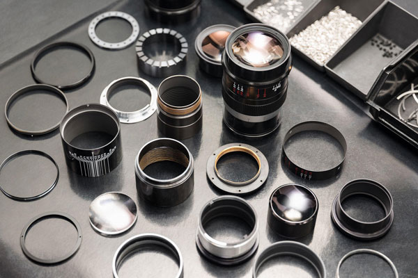 Leica Thambar-M 90mm f/2.2: Components and Materials, Which are Used in its Assembly: Image Courtesy of Leica