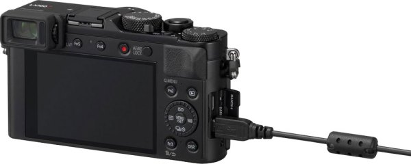 Panasonic Lumix LX100 II allows charging of batteries via USB cable