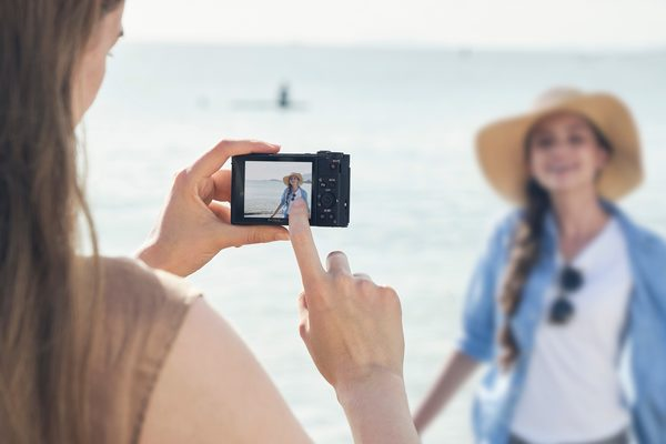 Sony Cyber-shot HX99: Touch Focus and Touch Shutter functionality: Image Courtesy of Sony