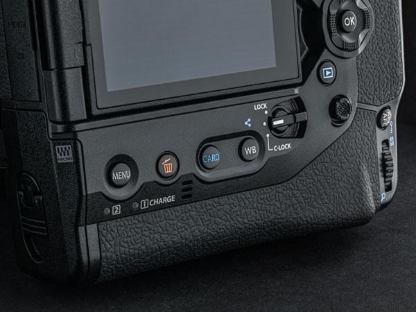 Olympus OM-D E-M1X: New C-LOCK lever