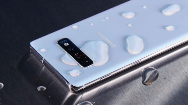 Samsung Galaxy S10: Water Resistance