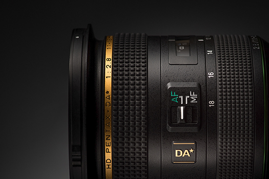 HD PENTAX-DA★11-18mmF2.8ED DC AW has a grooved area on the lens barrel that accommodates the addition of a dew heating strip to prevent condensation