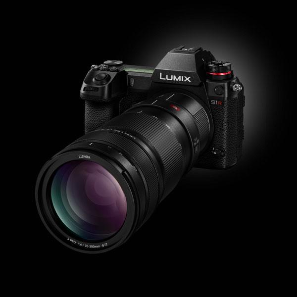Panasonic S1R with 2x Teleconverter DMW-STC20 attached to a LUMIX S PRO 70-200mm F4 O.I.S. (SR70200) Lens and Lumix S1R Camera