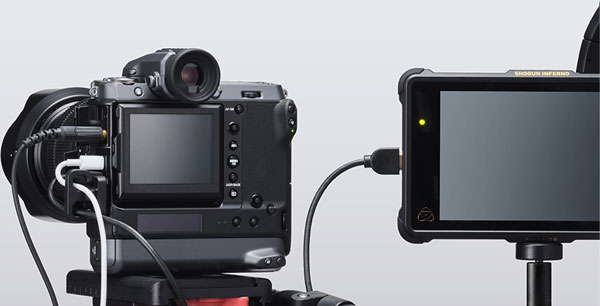 Fujifilm GFX100 is the world's first mirrorless digital camera with an image sensor of this size to offer 4K, 30p video recording capability (4:2:2 10-bit) (10bit 4:2:2 externally and 10bit 4:2:0 internally)