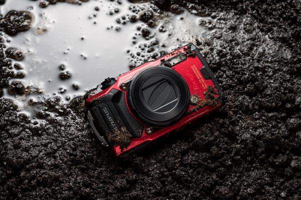 Olympus TOUGH TG-6 (red) with optional Lens Barrier: Dustproof, Shockproof, Splashproof