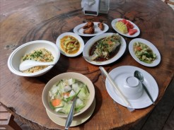 コーラル島 バナナビーチ 昼食のメニュー