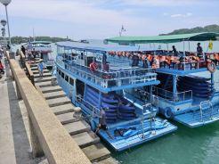 船です シーカヌー1日ツアー(デラックス)の紹介(その1)