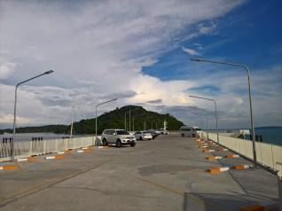 ナムチャイ港( NUMCHAI PORT ) の2階・駐車場