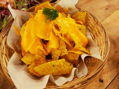 ノーティ ヌリズ プーケット (Naughty Nuri's Phuket) / パトンビーチのレストラン