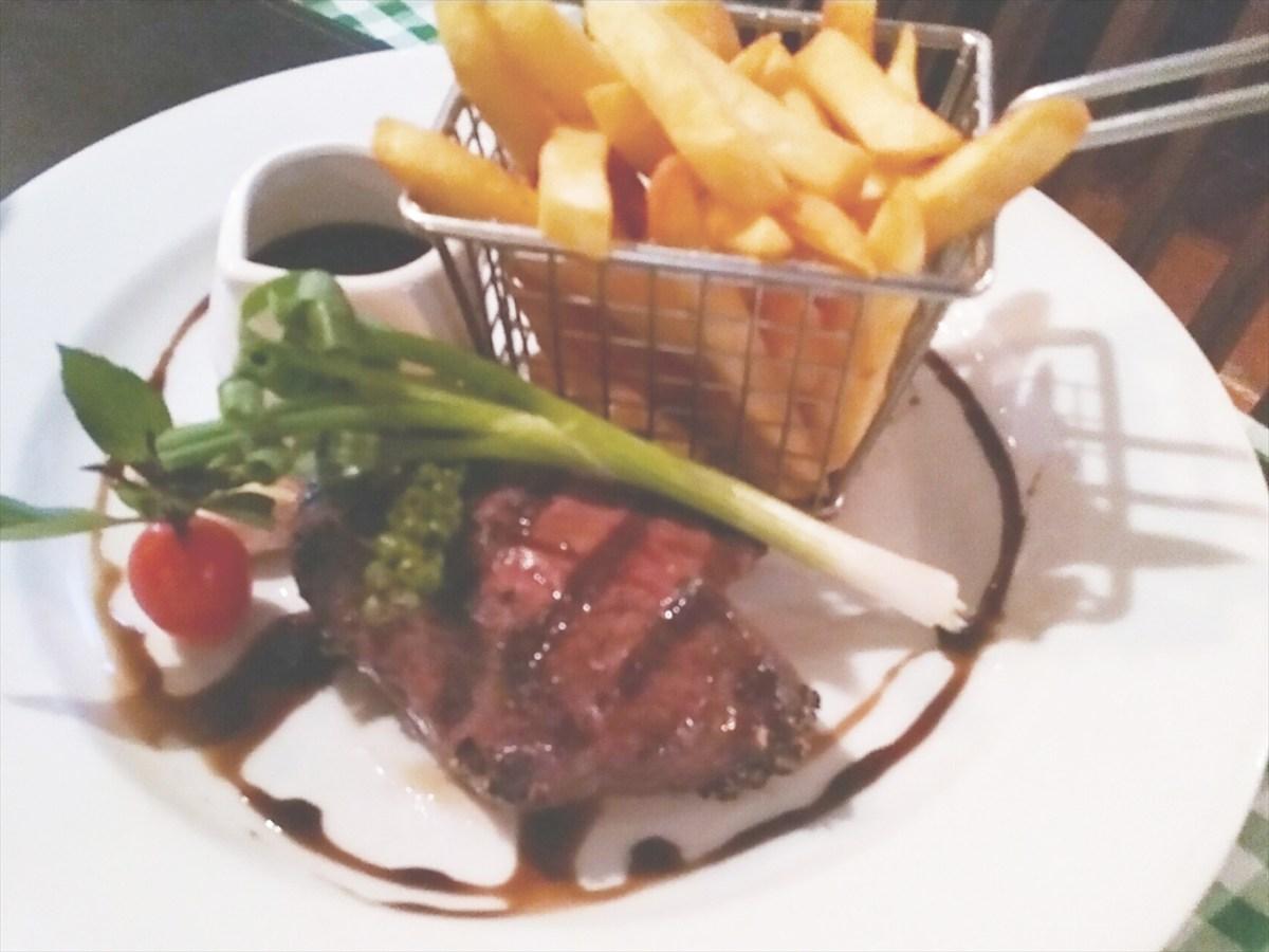 ハリーズ ステーキハウス ( Harrys Steakhouse )  / パトンビーチのレストラン