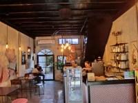 セイントティー&コーヒーハウス ( Saint Tea & Coffee House ) / プーケットタウンのカフェ