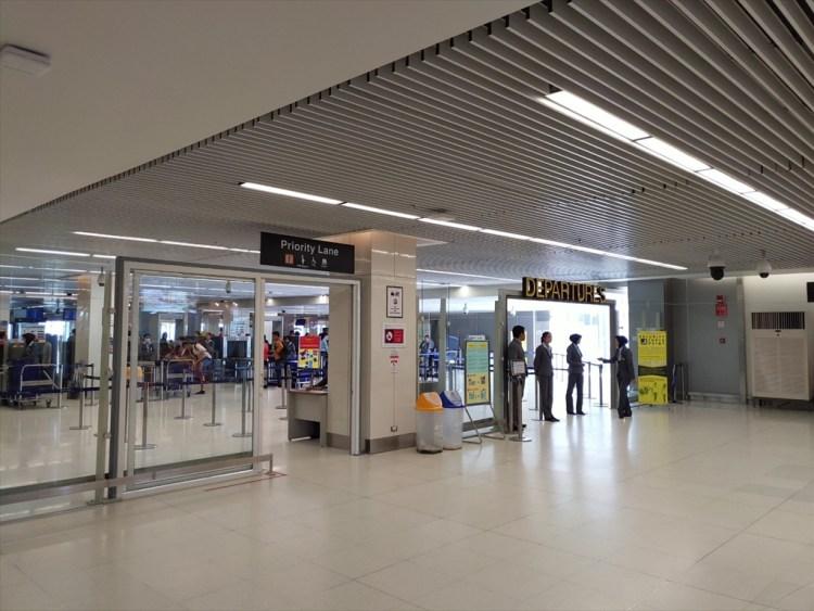 プーケット島・プーケット国際空港・国内線ターミナルの稼動風景 ( 2019年05月21 日・11:30頃 )