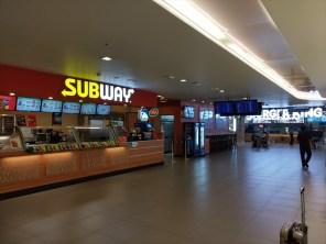 3階階(レストラン&エアラインの事務所) / プーケット島・プーケット国際空港・国内線ターミナルの稼動風景 ( 2019年05月21 日・11:30頃 )