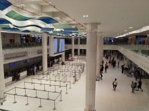 2階階(出発階) / プーケット島・プーケット国際空港・国内線ターミナルの稼動風景 ( 2019年05月21 日・11:30頃 )