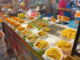 プーケット島・2019年06月頃のウィークエンドマーケット ( Wat Naka Weekend market / Chao Fah Variety Market)