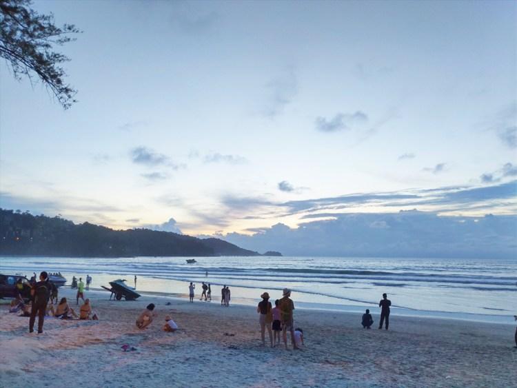 2019年08月23日のプーケット島・パトンビーチ・18:45頃の風景。