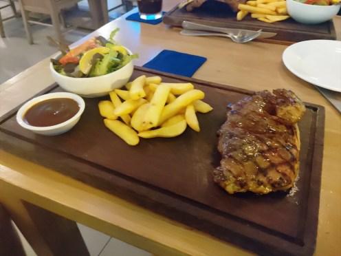 ボーンダイ オージーバー&グリル プーケット ( Bondi Aussie Bar & Grill Phuket )
