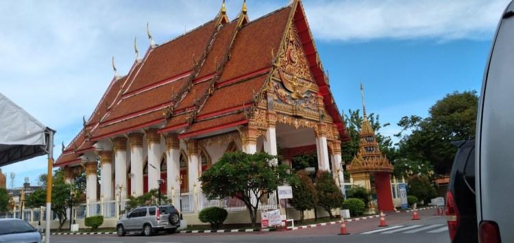 オールドタウンにあるタイ様式寺院・ワット モンコン 二ミット