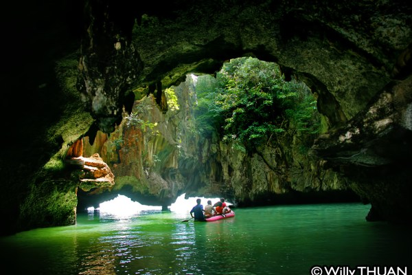 Phang Nga Bay Kayaking – John Gray Seacanoe
