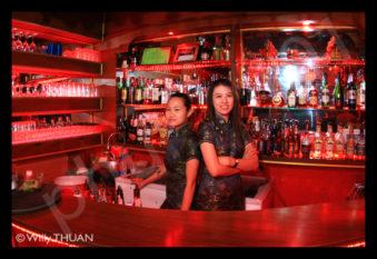 suzy-wongs-gogo-bar