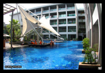 the-kee-resort-pool