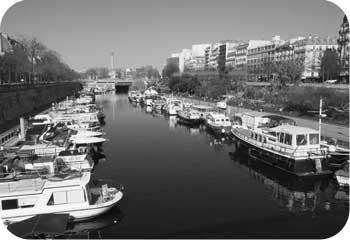 paris bastille canal