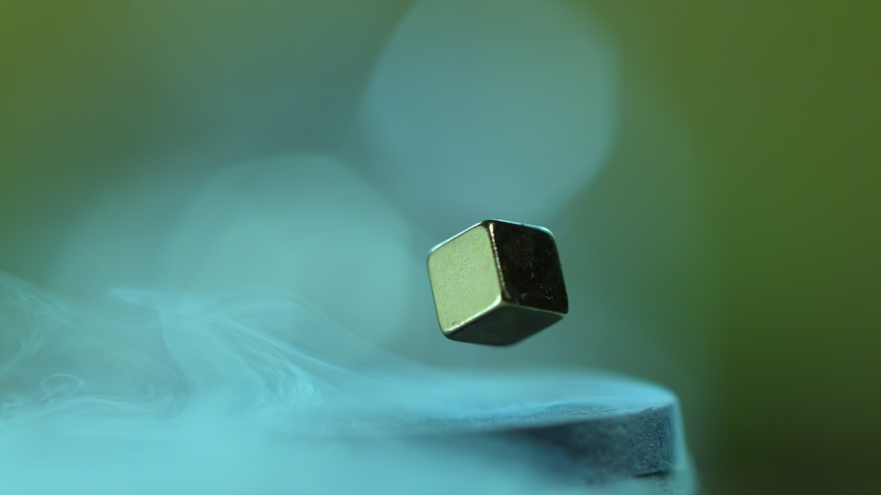 SUPERCONDUCTORS FOR BEGINNERS