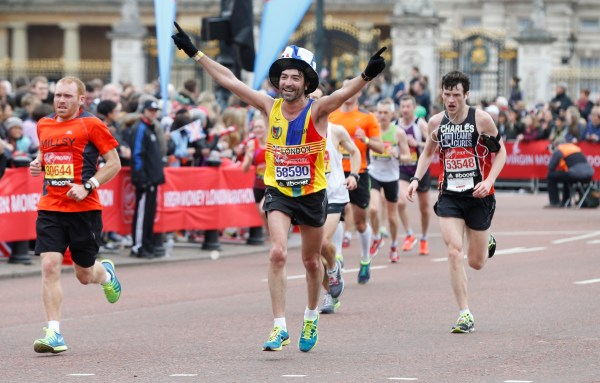 Athletics - Virgin Money London Marathon - London - 26/4/15 A fun runner during the Virgin Money London Marathon Reuters / Suzanne Plunkett Livepic