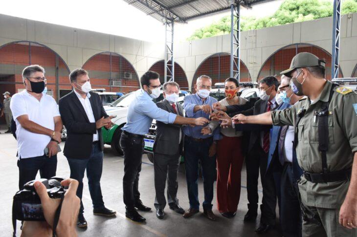 Entrega de viaturas PM Wellington Dias 7 Polícia Militar recebe 24 novas viaturas do governador