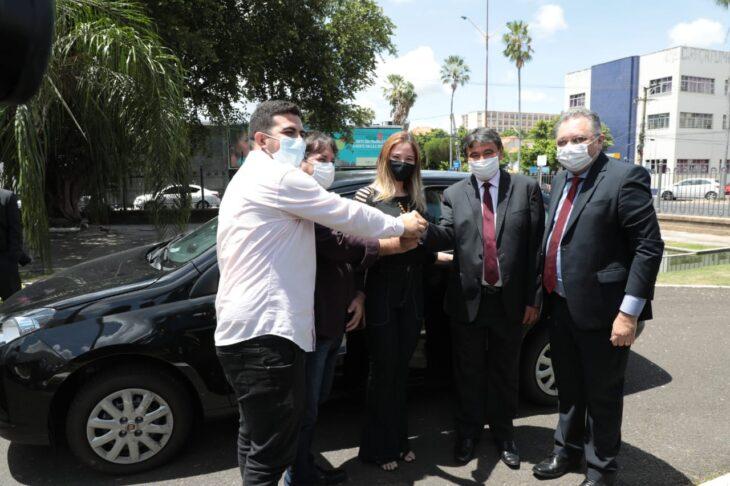 Entrega veiculos Hemopi e prefeituras 1 Governador entrega nove veículos para reforçar a saúde no Piauí