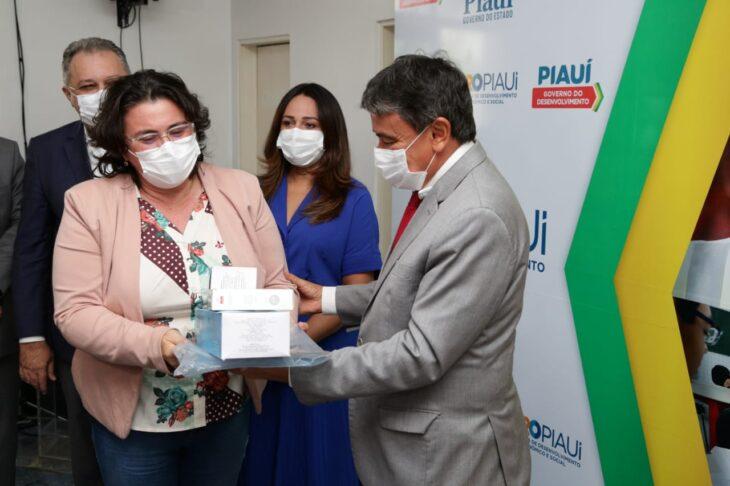 WhatsApp Image 2021 01 15 at 12.25.35 3 Piauí inicia distribuição de insumos para vacinação contra a Covid em municípios