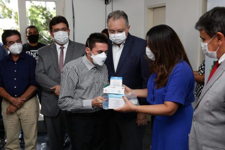 WhatsApp Image 2021 01 15 at 12.25.35 4 Piauí inicia distribuição de insumos para vacinação contra a Covid em municípios