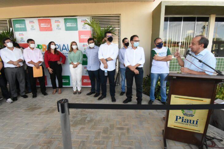 agenda em srn discursos 18 Governador entrega títulos de posse a famílias de São Raimundo Nonato