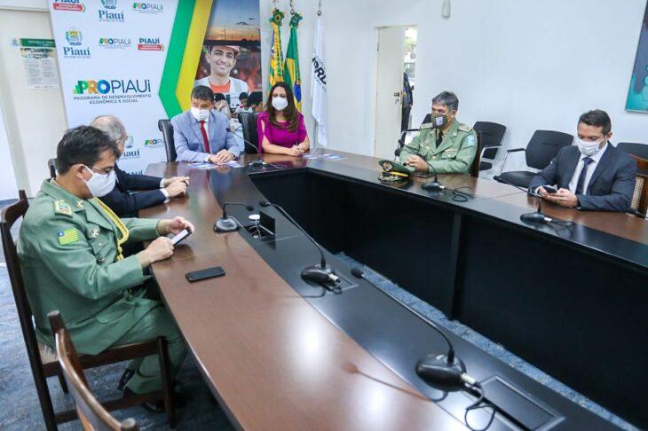 celebra%C3%A7%C3%A3o religiosa 19 Governador entrega medalhas por ocasião do 198º aniversário da adesão do Piauí à Independência