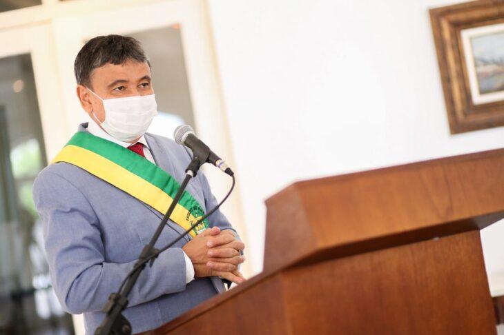 entrega de medalhas 1 Governador entrega medalhas por ocasião do 198º aniversário da adesão do Piauí à Independência