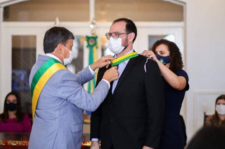 entrega de medalhas 11 Governador entrega medalhas por ocasião do 198º aniversário da adesão do Piauí à Independência