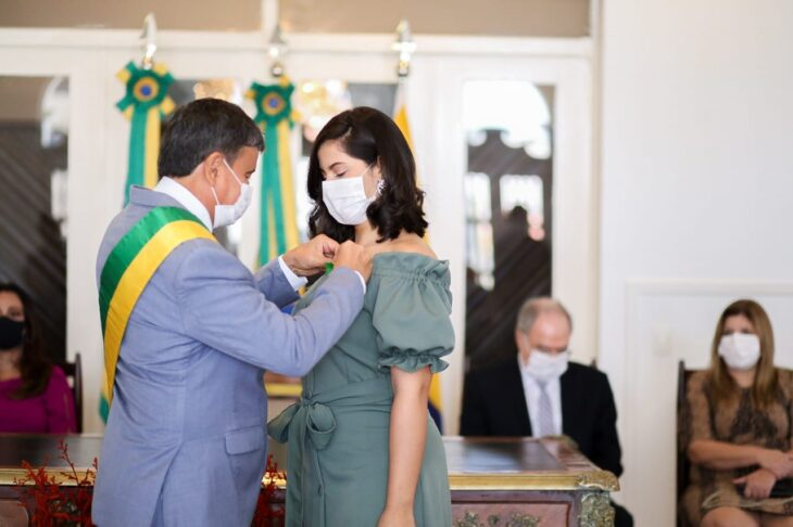 entrega de medalhas 12 Governador entrega medalhas por ocasião do 198º aniversário da adesão do Piauí à Independência