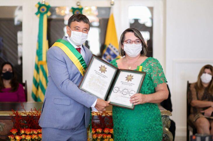 entrega de medalhas 17 Governador entrega medalhas por ocasião do 198º aniversário da adesão do Piauí à Independência