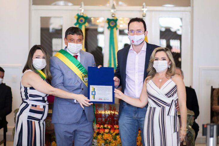 entrega de medalhas 6 Governador entrega medalhas por ocasião do 198º aniversário da adesão do Piauí à Independência
