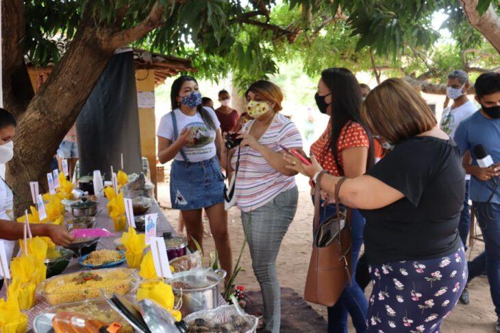 equipe Progere Famílias de Lagoa do São Francisco são beneficiadas com projetos executados pela SAF