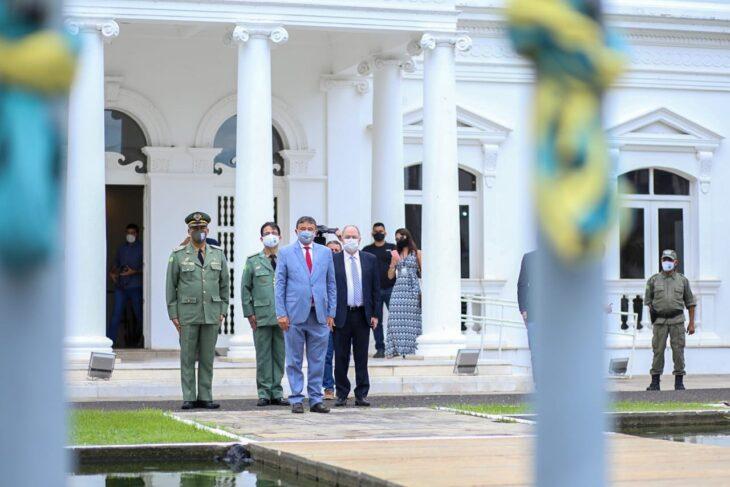 hateamento bandeira 12 Governador entrega medalhas por ocasião do 198º aniversário da adesão do Piauí à Independência