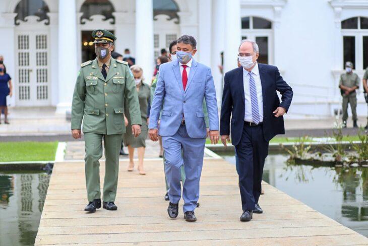 hateamento bandeira 5 Governador entrega medalhas por ocasião do 198º aniversário da adesão do Piauí à Independência