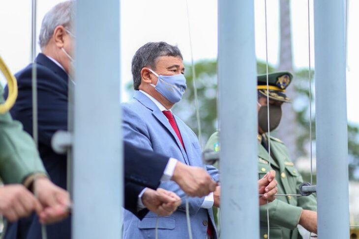 hateamento bandeira 8 Governador entrega medalhas por ocasião do 198º aniversário da adesão do Piauí à Independência