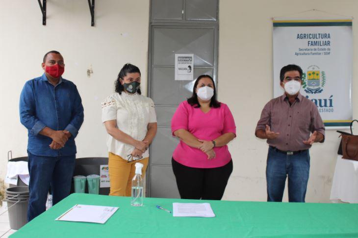 kits cajuina5 SAF entrega kits para produção de cajuína a agricultores de três Territórios
