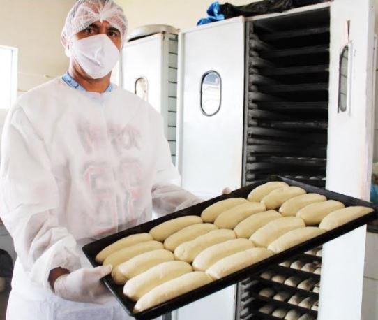 sejus pao Internos produzem mil pães por dia na Penitenciária de Picos