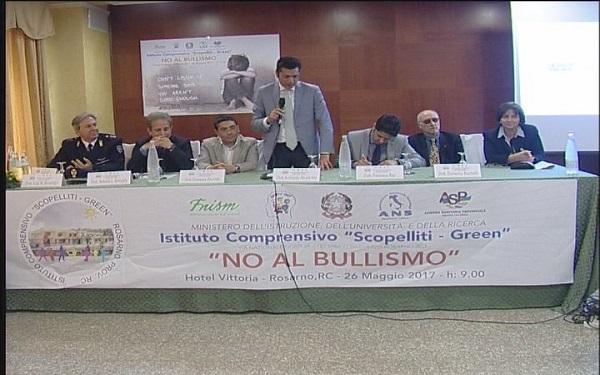 Rosarno, seminario organizzato dalla scuola Scopelliti Green: No al bullismo