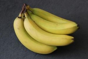 10-utilizzi-della-la-buccia-di-banana-dalle-pulizie-ai-trattamenti-di-bellezza