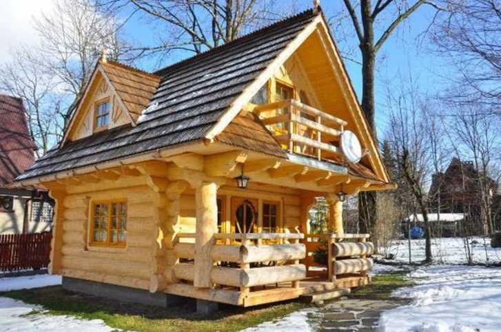 Una casetta di legno di soli 27 metri quadri. Guardando gli interni, rimarrete a senza parole!
